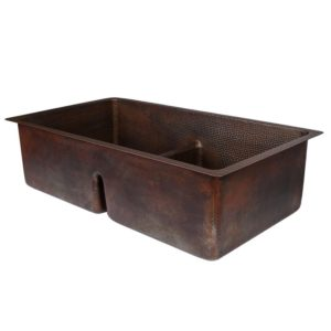 """33"""" Hammered Copper Kitchen 50/50 Double Basin Sink with Short 5"""" Divider"""